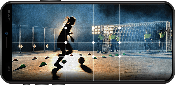 soccer well centered thanks to the MOVE 'N APP on a iOs smartphone
